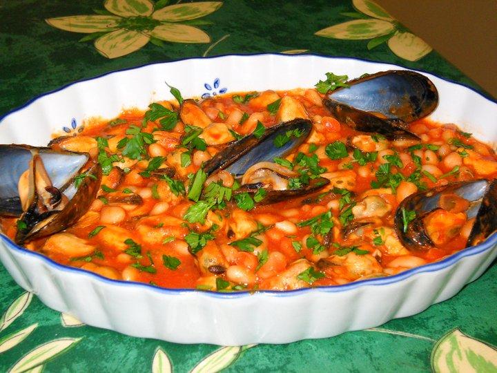 Zuppa di fagioli con cozze